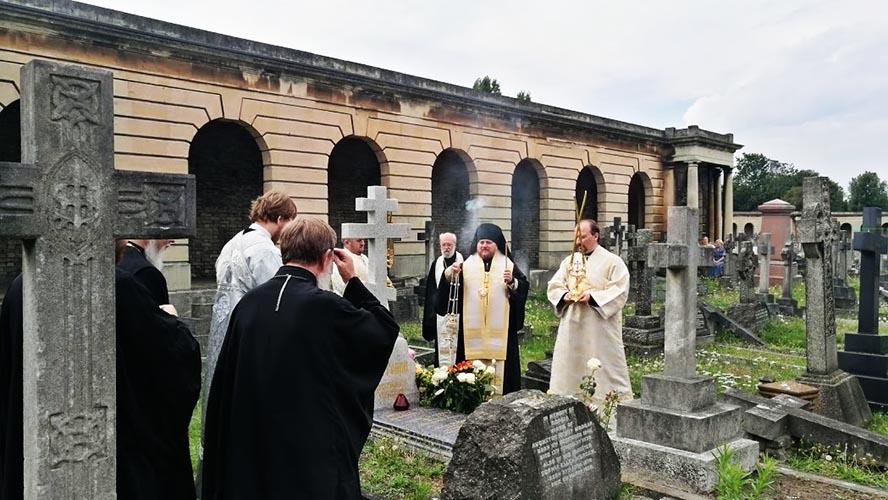С нами молятся клирики Польской и других пр. церквей