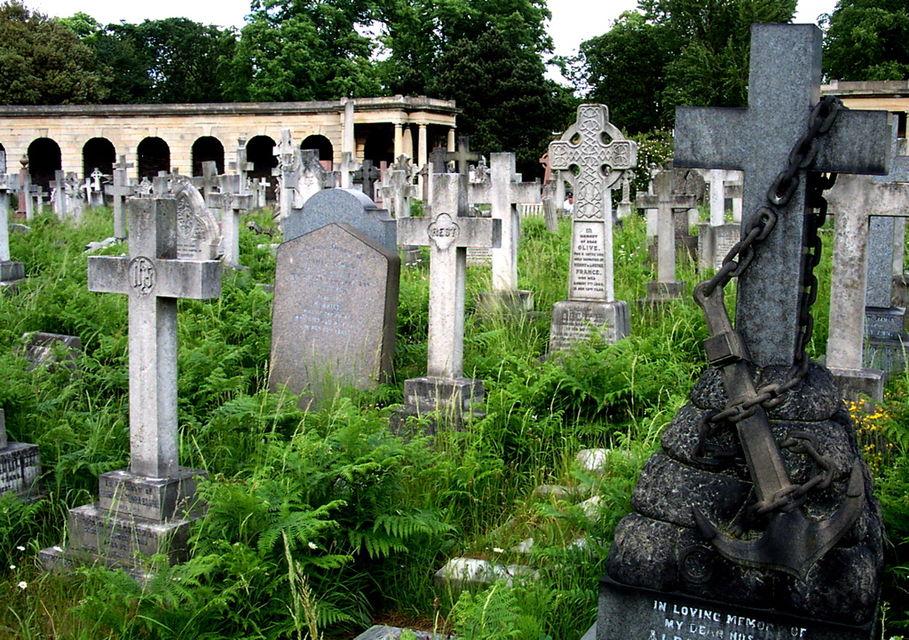 Кладбище существует с 19 века и на нем похоронено 205 тыс. человек